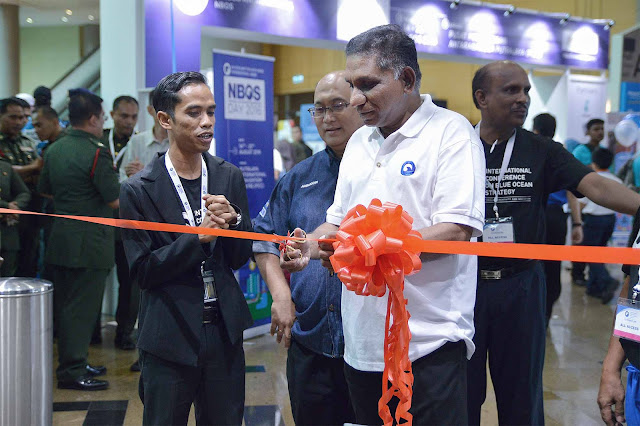 perasmian pameran Fashion Bazaar by Roopawan.com di sempurnakan oleh Tan Sri Irwan Siregar