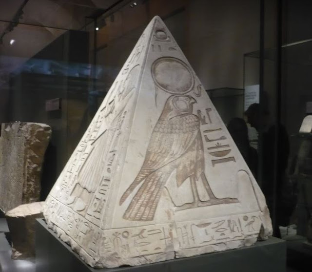 pyramidion di Ramose