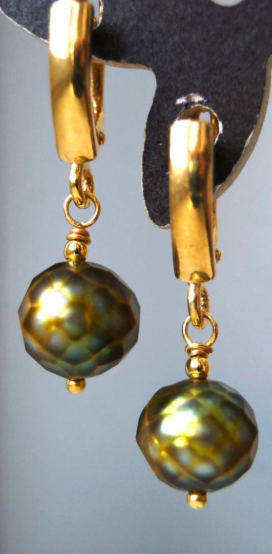 2f734dc11986 Cuando Carl Faberge reflexionaba sobre la idea de facetar perlas