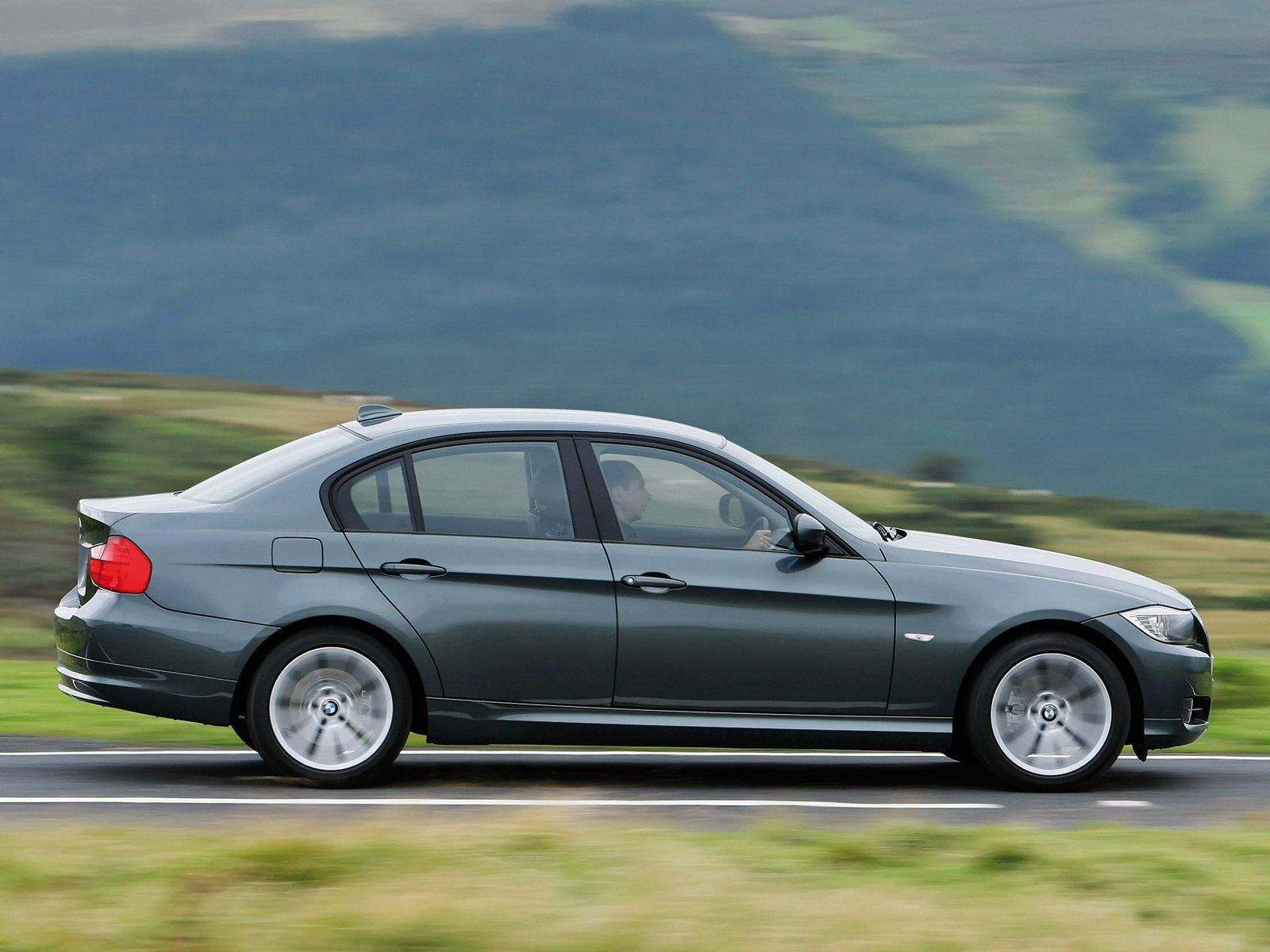 2009 BMW 3-Series UK Version pictures   Accident lawyer