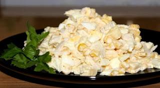 salat-s-kurinoj-grudkoj-i-kukuruzoj