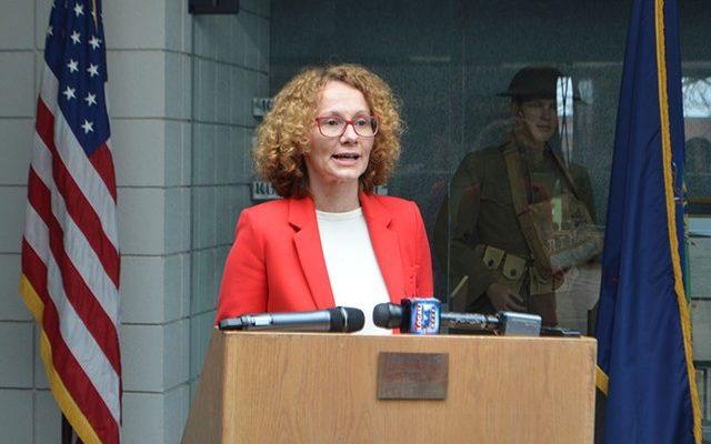 Κάρφωσε τον Τσίπρα η υπουργός Άμυνας των Σκοπίων για το Ίλιντεν