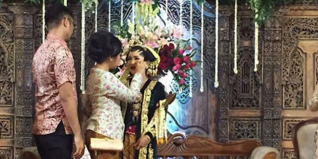 Kisah Haru Gita, Gelar Pernikahan Tanpa Mempelai Pria