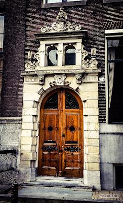 toejo - Amsterdam - Old School Door