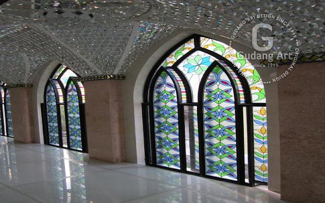 kaca patri masjid