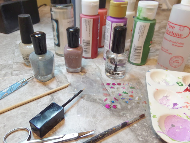 nail design supplies