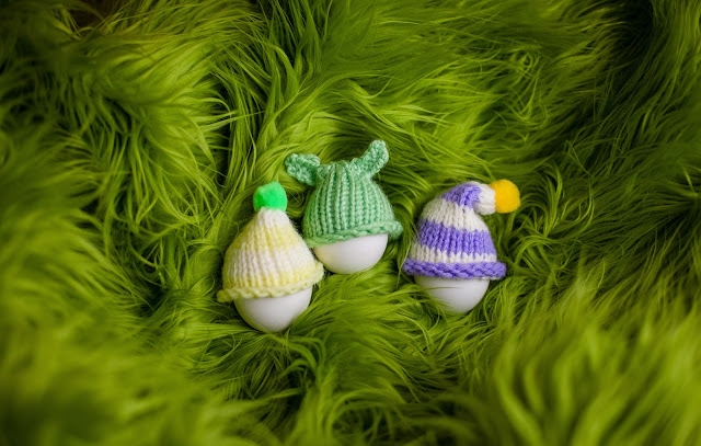 Loom knit Easter egg cozy/cosy, free pattern, loom knitting patterns