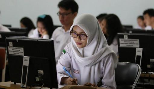 Pelajar Dengan Nilai UN Tertinggi Bakal Kantongi Rp 20 Juta