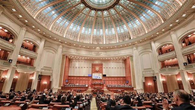 Romanian parliament approves anti-corruption referendum