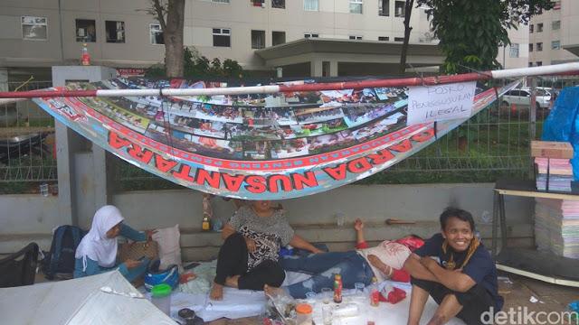 Warga Rawajati Memilih Bertahan Dirikan Tenda, Wali Kota Jaksel: Biarkan Saja Dulu