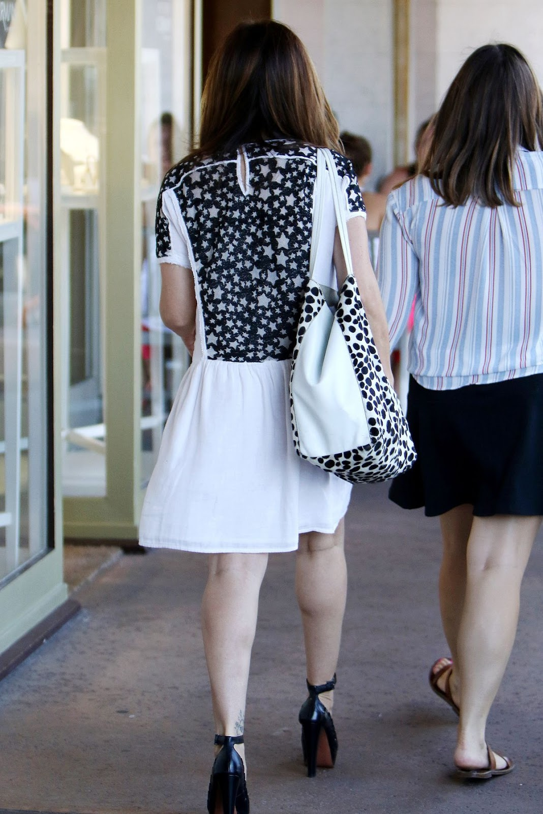 Photos of Sarah Michelle Gellar out for Shopping in Brentwood