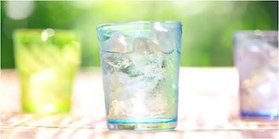 Ternyata Minum Air Es Dapat Membantu Turunkan Berat Badan