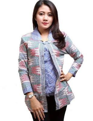 Model Baju Batik Unik Wanita Modern