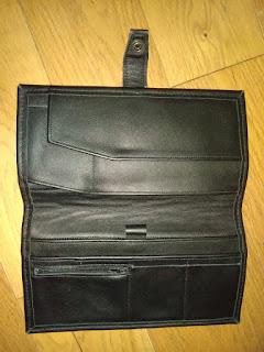 Vue intérieur du wallet en cuir