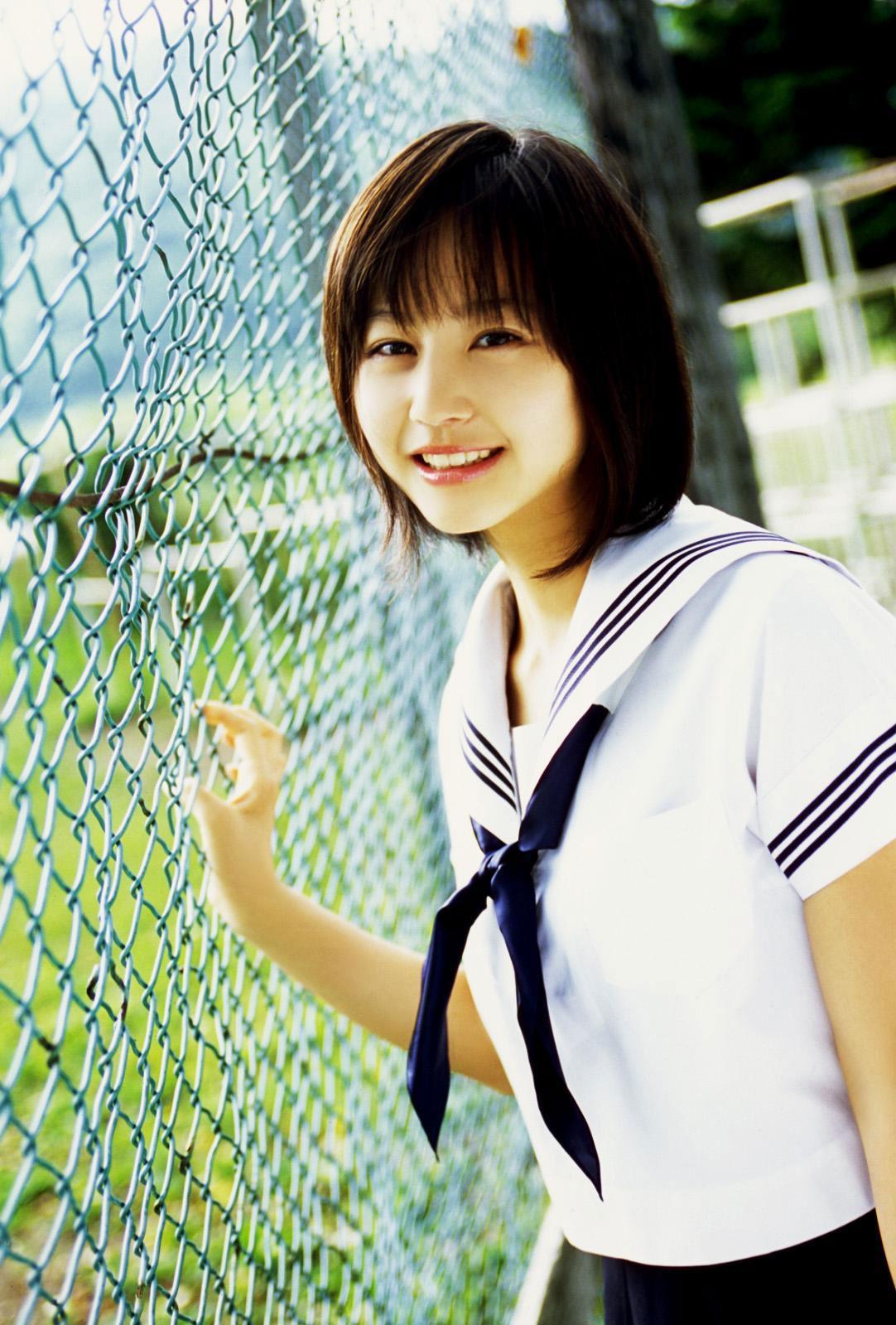 貴族學生妹J圖: 非常可愛 美麗 巨乳 學生妹