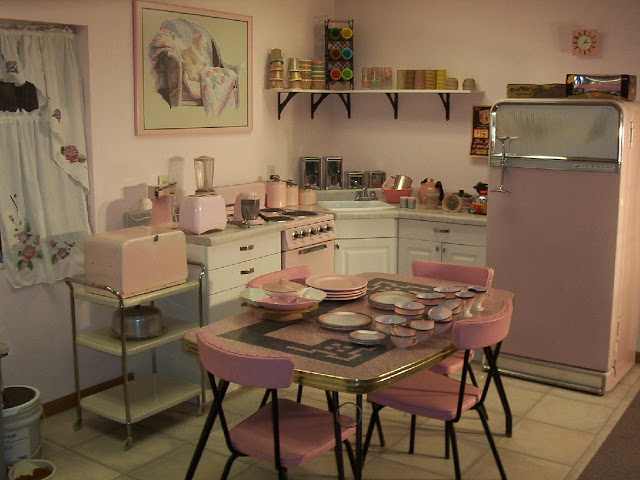 Tips Mendesain Dapur Unik Dengan Kesan Retro
