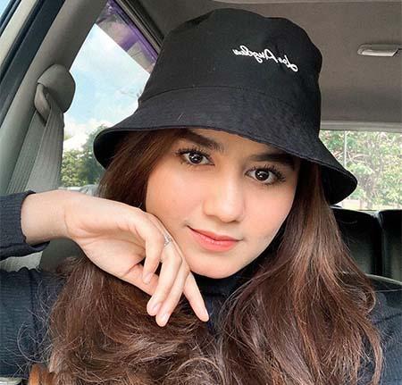 Nadhea Tanj Selfi