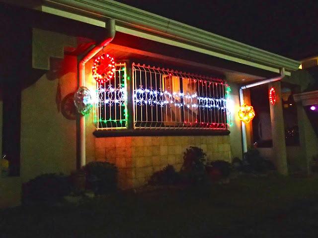 Black swamp cornucopia christmas pasko lights Christmas tree decorating ideas philippines