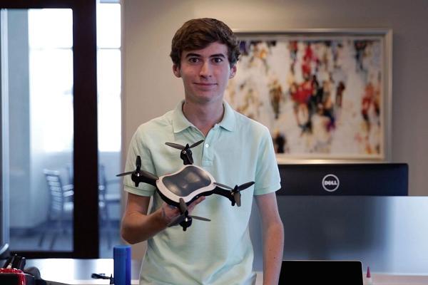 Berawal dari Hobi, Siswa SMA ini Berhasil Bangun Startup Produsen Drone
