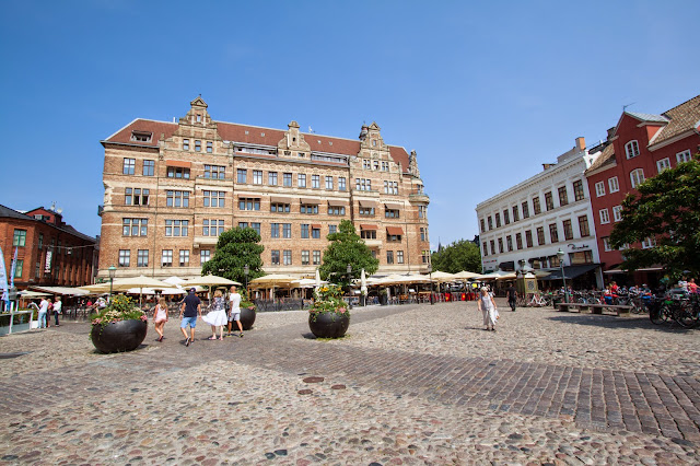 Piazza Mollevangstorget-Malmo