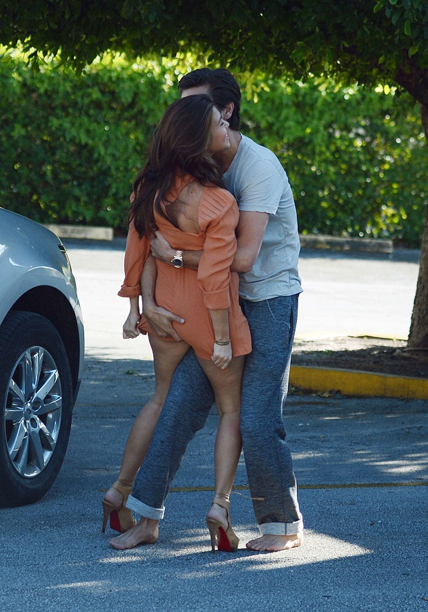 Scott Disick wildly grabbed Kourtney Kardashian's bottom in Miami