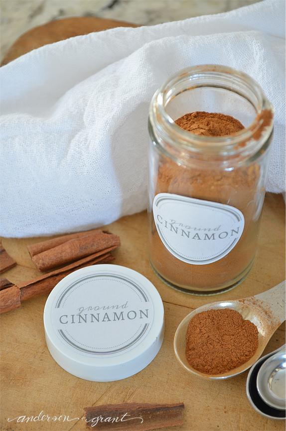 Free Printable Spice Jar Labels   www.andersonandgrant.com