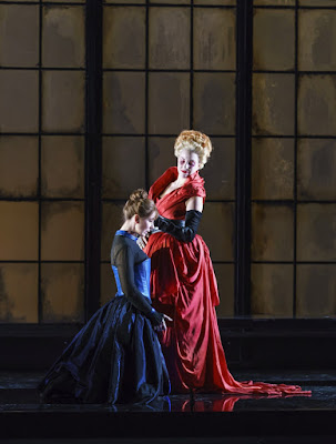 Donizetti: Roberto Devereux - Justine Gringytė, Joyce El-Khoury - Welsh National Opera (photo Bill Cooper)