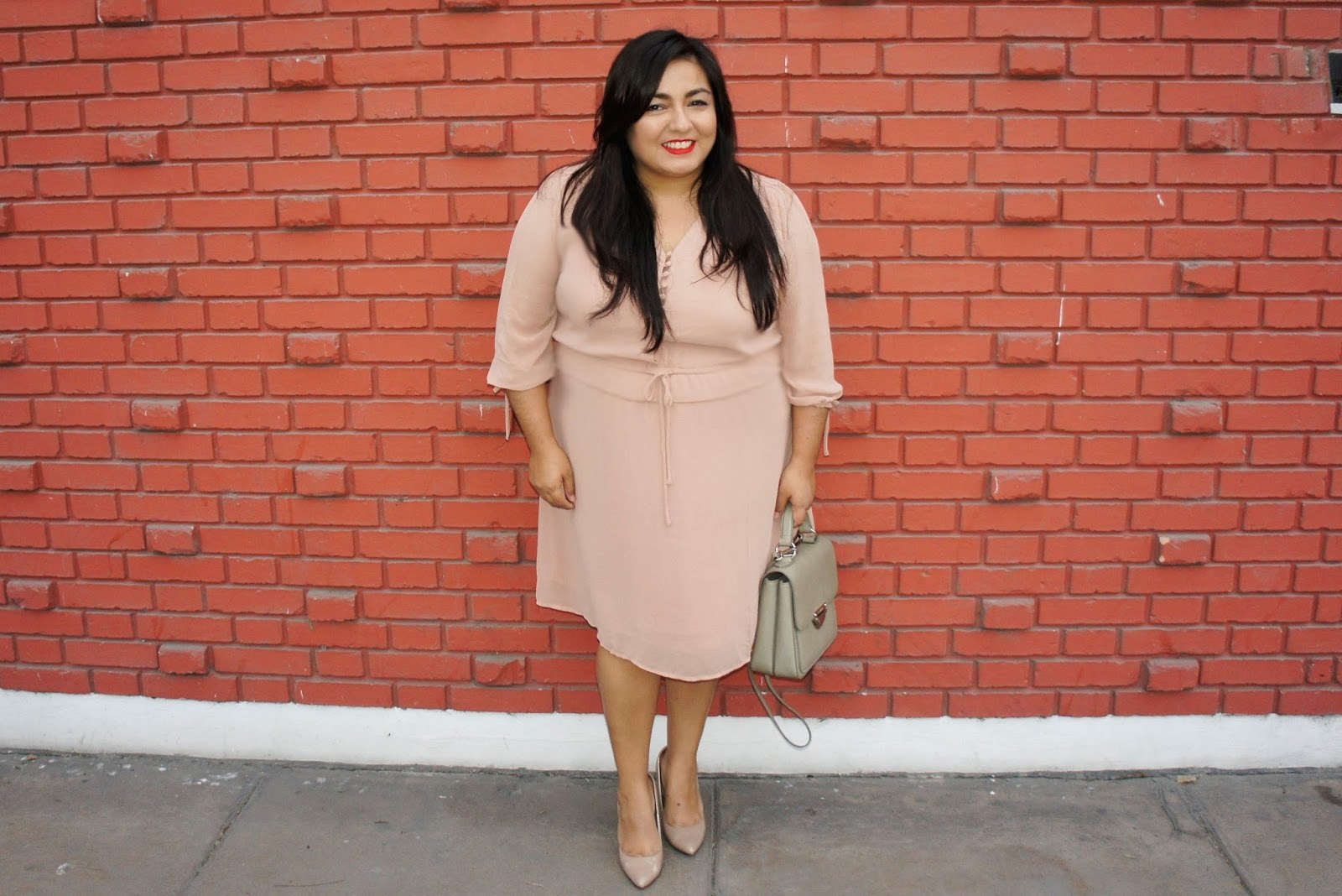 pink dress legalmente en taco 12