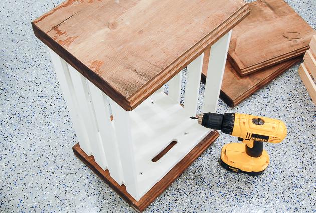 Building crate lockers