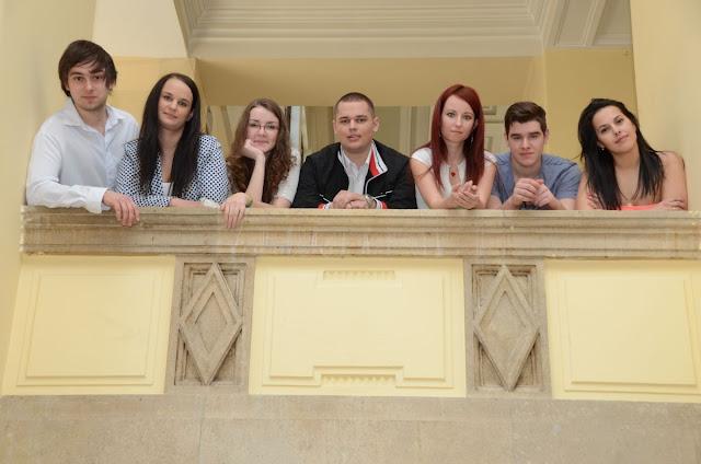 A világ legjobb ezer egyetemét rangsoroló CWUR listán – többek között – az oktatás minőségét, a végzett hallgatók elhelyezkedését, az oktatók kiválóságát, a publikációk számát, az idézések arányát és a szabadalmak számát figyelembe véve a Debreceni Egyetem előrébb lépett a tavalyi helyezéséhez képest, így a 661. helyen végezve a magyarországi egyetemek között itt is a legjobb vidéki egyetem, amely továbbra is őrzi vezető szerepét a hazai felsőoktatási intézmények között.