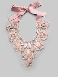výrazné náhrdelníky