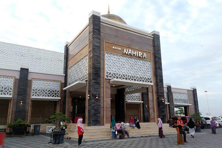 Keindahan wisata religi masjid Namira Lamongan
