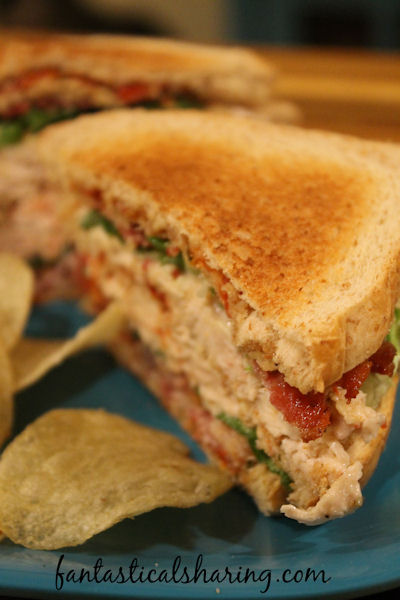 Chicken Potato Chip Club Sandwiches // This club sandwich has herbed lemony chicken and crunchy potato chips that make it way better than just a regular old club sandwich. #recipe #chicken #clubsandwich #sandwich #bacon #potatochips