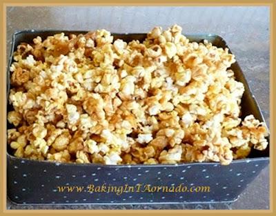 Caramel Corn | www.BakingInATornado.com | #recipe
