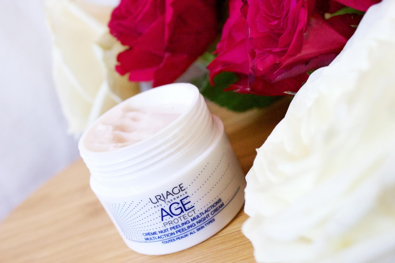 creme-nuit-peeling-multi-actions-age-protect-uriage
