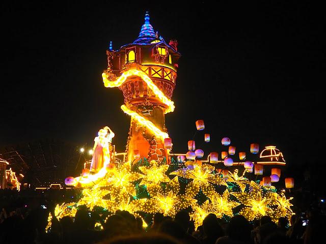 Tangled float, Dreamlights parade, Tokyo Disneyland, Japan
