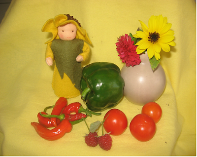 Zonnebloempopje vilt seizoentafel zomer