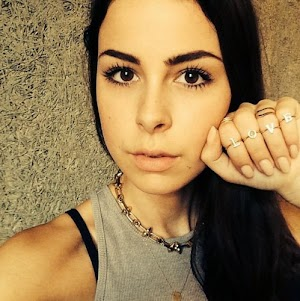 Lena Meyer-Landrut: Is the makeup Diss fair?