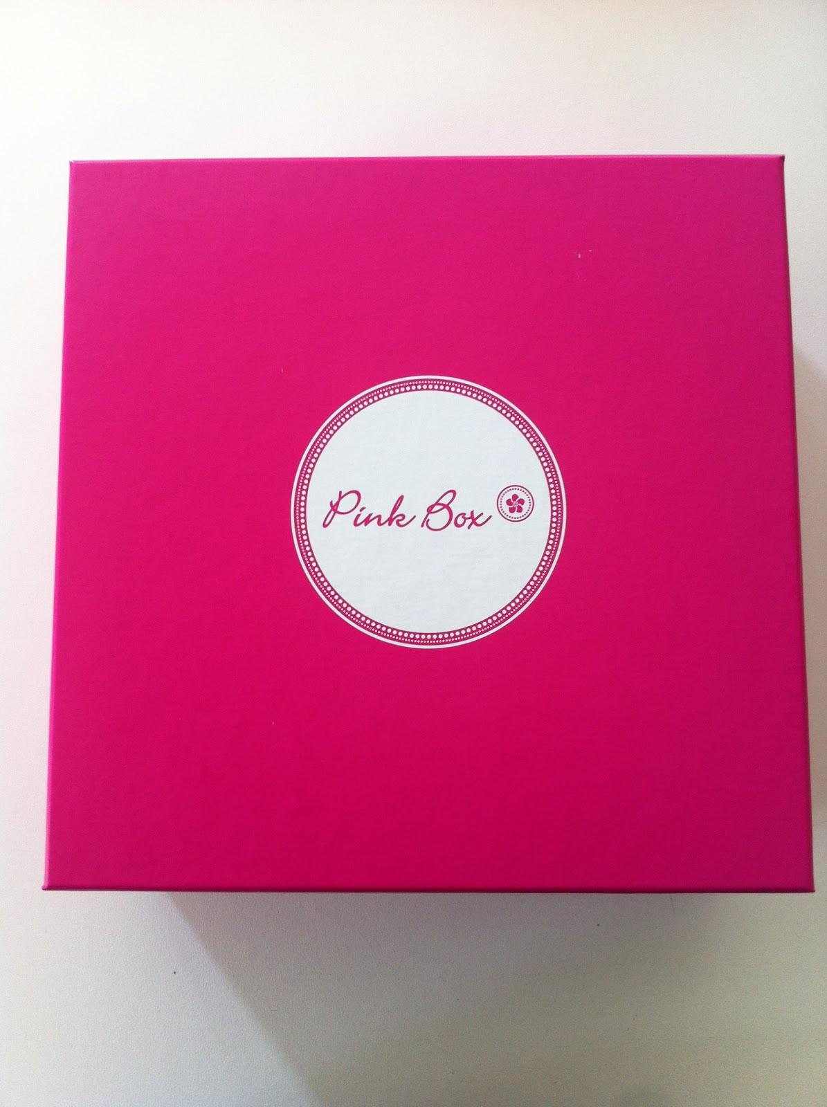 pinkbox ist da visagistin maya. Black Bedroom Furniture Sets. Home Design Ideas