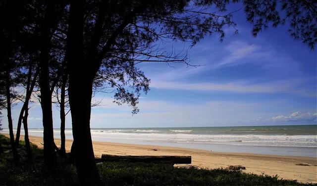 Pantai Seri Kenangan (www.panoramio.com)