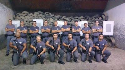 POLICIAIS MILITARES SÃO CAPACITADOS PARA O USO DE METRALHADORA