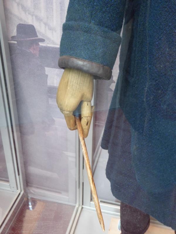 Newt Scamander Fantastic Beasts coat cuff