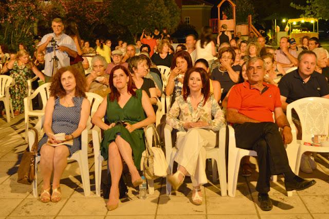 Οι αδερφές Ελένη και Μαρία Αποστολίδου συνεχίζουν πανάξια την Ποντιακή μουσική παράδοση
