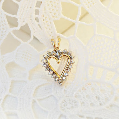 https://www.etsy.com/listing/115916811/heart-pendant-chain-necklace-gold?ref=shop_home_active_9