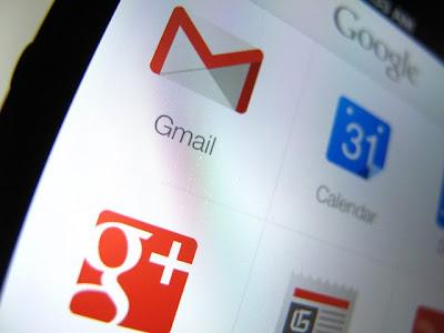 """Google reconoció en una documentación judicial que los usuarios de Gmail no deberían tener """"expectativas razonables"""" de que sus comunicaciones sean confidenciales, una falta de privacidad que está en la raíz del funcionamiento de su servicio de correos electrónicos. El texto de 30 páginas fue presentado el martes por los abogados de la empresa en los tribunales de San José, en el norte de California (EE.UU.), y se hizo eco de él hoy la prensa en EE.UU., país en el que Google se enfrenta a una demanda colectiva acusado espiar a los internautas. """"Google abre, lee y adquiere ilegalmente contenido"""