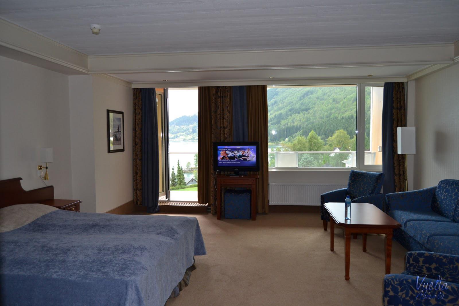 fjord hotel alexandra loen