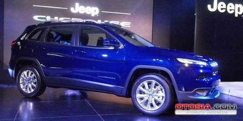Model Baru Jeep Cherokee Bisa Parkir Otomatis