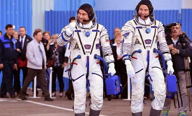 Benarkah Astronaut yang bekerja di luar angkasa tubuhnya tambah tinggi Fakta Mengejutkan: Tubuh Astronaut Tambah Tinggi, Apa Penyebabnya?