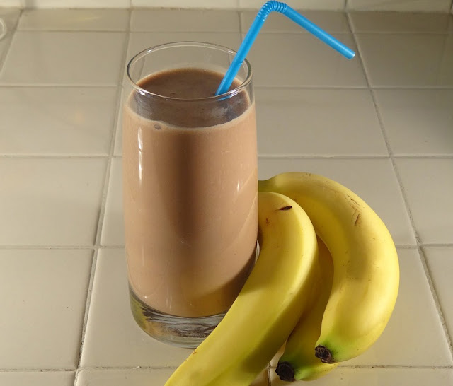 healthy breakfast protein shakes, chocolate peanut butter banana breakfast shake, blueberry almond butter smoothie