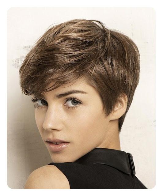 klasyczna i naturalna fryzura Modne krótkie fryzury 2018,